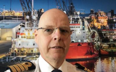 """Havenmeester Pieter van der Wal: """"We blijven de scheepvaart – een levensader voor de omgeving en bedrijven – 24/7 bedienen"""""""